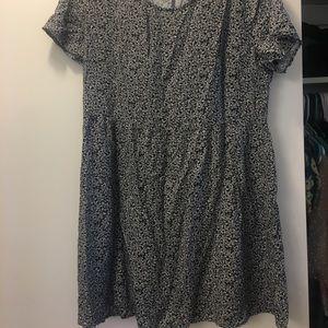 H&M black/ white floral tunic top